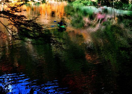 秋色の舟遊び