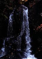 第15回 伊吹グループ賞(高校写真部奨励賞) 双龍の滝