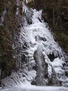 第16回 東京サマーランドB賞 結氷した払沢の滝